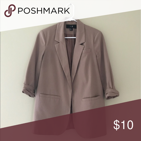 Blazer Taupe three quarter sleeve blazer. Three pockets. Good condition. Smoke free pet free home. Forever 21 Jackets & Coats Blazers
