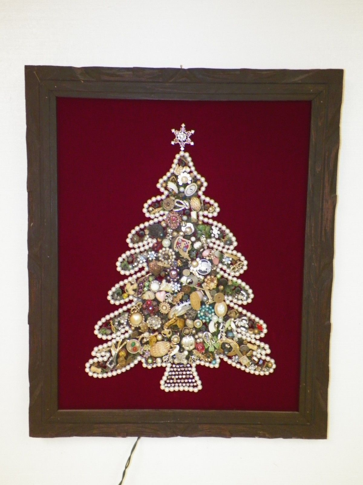 Vintage Rhinestone Costume Jewelry Christmas Tree Picture Lighted Framed Ebay 125 Christmas Tree Pictures Jewelry Christmas Tree Old Jewelry Crafts