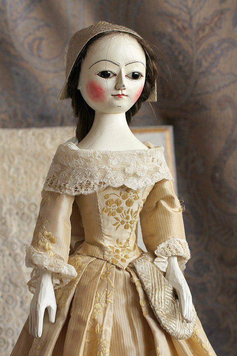 Queen Anne style wooden doll #dollvictoriandressstyles
