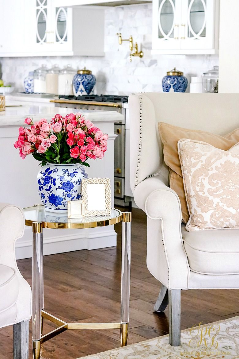 5 Sentimental Gift Ideas For Any Occasion Family Room Decorating