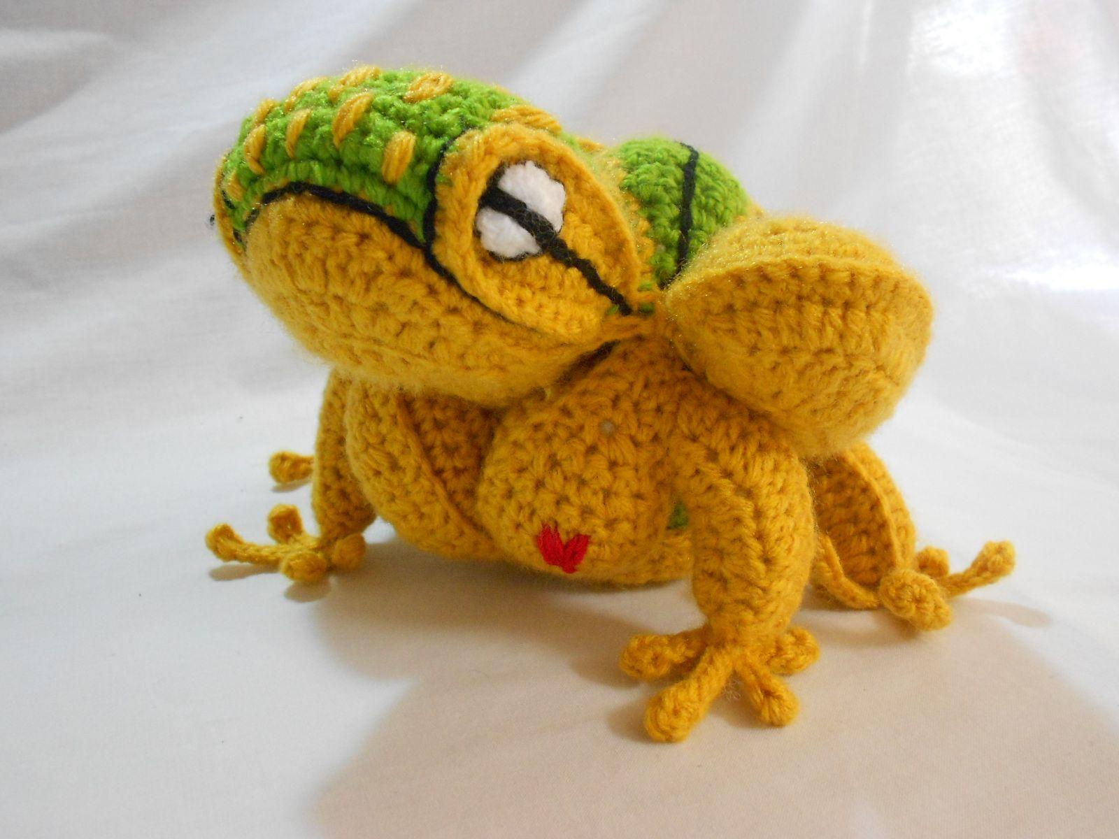 Amish Puzzle Ball Ozy Bella Zak Shak. Golden tree frog ...