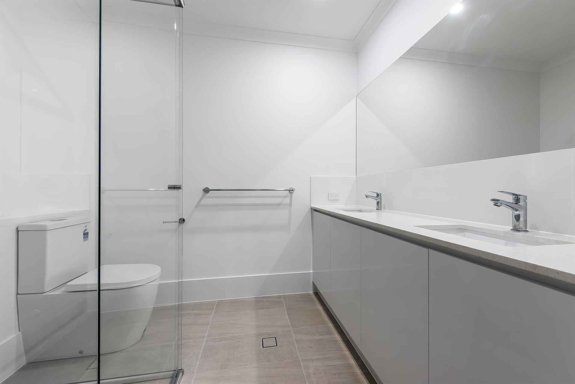 Small Bathroom- en-suite in Padbury Distinct Renovations ...