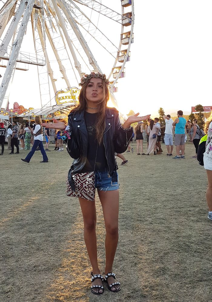 pretty nice 4dd3a b9539 Festival Look Julie Sariñana - Sincerely Jules - Coachella ...