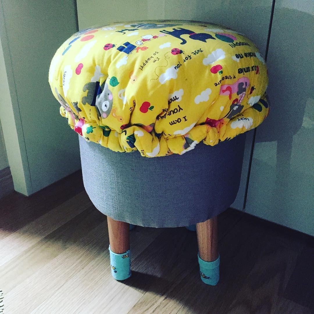 #chair #furniture #made#방석#양말#interior #cute 양말과 모자를 씌웠어요##가구#인테리어 by solarbacksheet