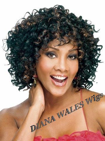 Trouver plus Perruques Informations sur Chic Pixie Cut synthétique afro américaine perruque court cheveux crépus bouclés avec frange Peruca Curta coiffure courte perruque pour les femmes noires, de haute qualité perruque emballage, perruques de cheveux pour les femmes Chine Fournisseurs, pas cher perruque cosplay de Fashion Vintage Dresses sur Aliexpress.com