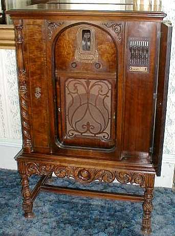 *ZENITH's MODEL 77: was introduced in late1930 ...