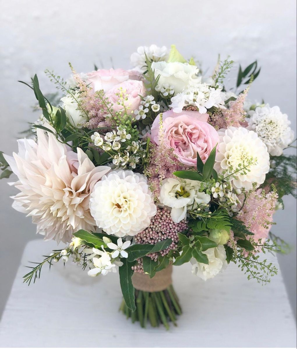 Wedding Bouquets In 2020 Wholesale Flowers Wedding Wedding Bouquets Bridal Bouquet