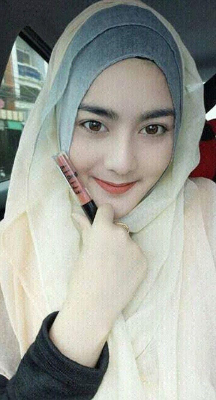Pin oleh Pin Tere di Jilbab Kerudung Wanita, Wanita