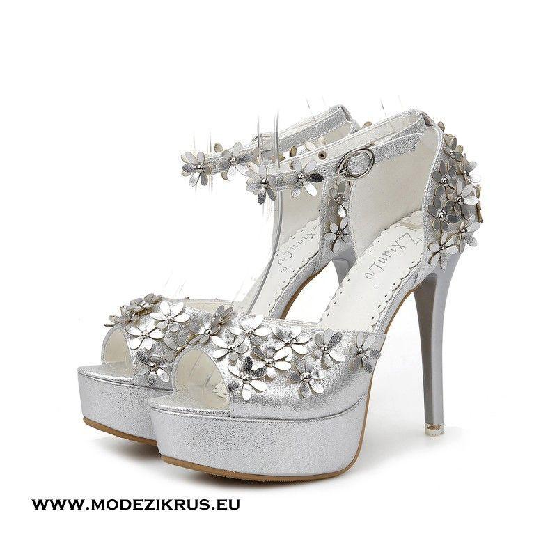 Peep Toe Stereo Flower Plateausandalen in Silber #mode