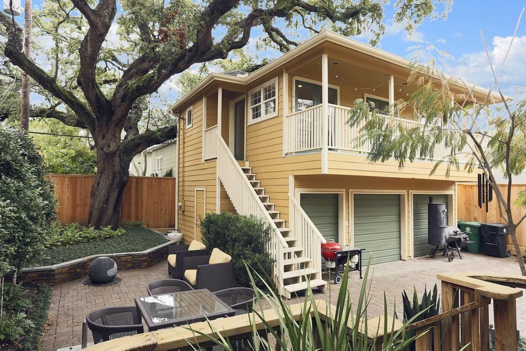Pin By Buddy Finethy On Garage Apt Rental Homes Near Me Garage Apartment Plans Garage Apartments