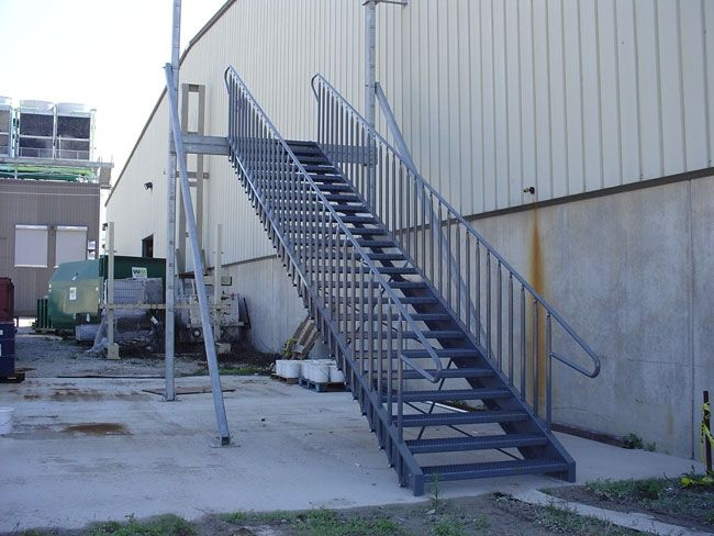 Escalera para exterior INDUSTRIAL | Escalera recta | Pinterest