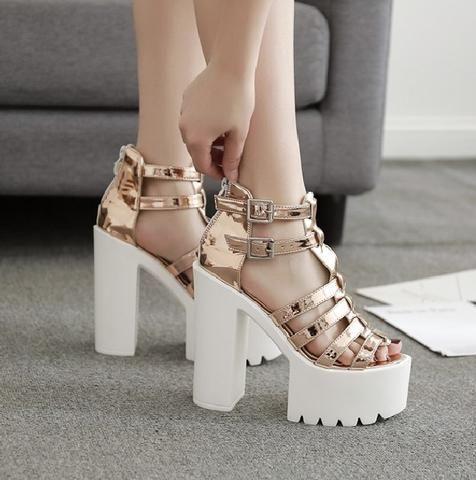 0178c1f6ad309 Sandales style spartiates beiges champagnes métalisées - Chaussures - THE  FASHION PARADOX