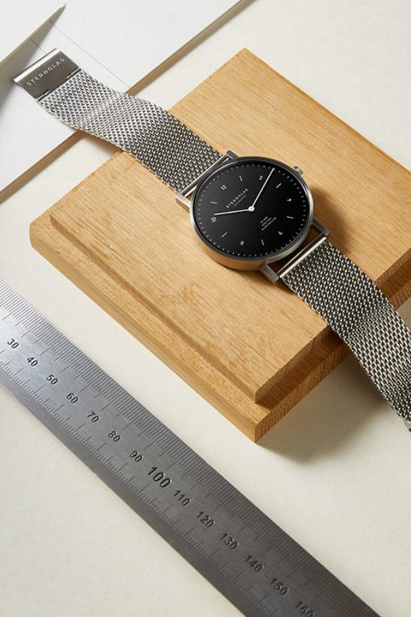JUNIS 38 Zeitmesser STERNGLAS Clean minimal Bauhaus watch