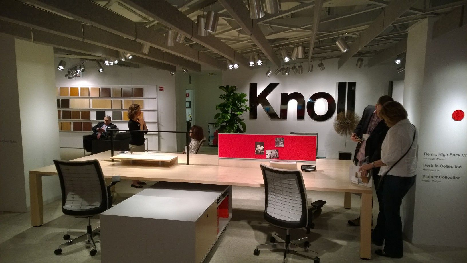 Apex Facility Resources Visiting The Knoll Design Office Furniture Showroom At NeoCon14