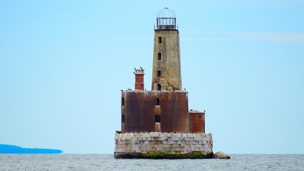 They used to guide ships safely into harbor but the lights are now out at these eerie, abandoned and inactive lighthouses.