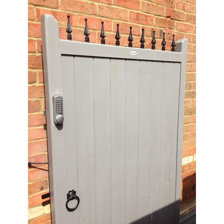 The London wooden gate. Add security and privacy to your ...