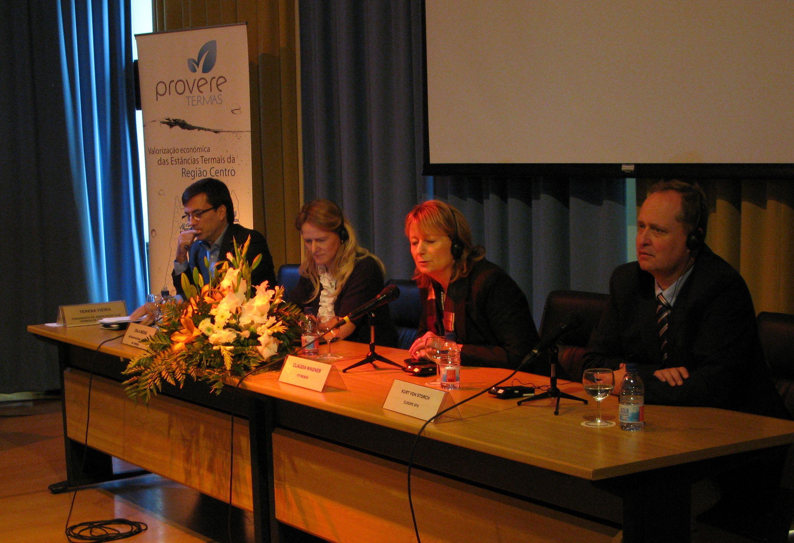 Durante o debate com os convidados