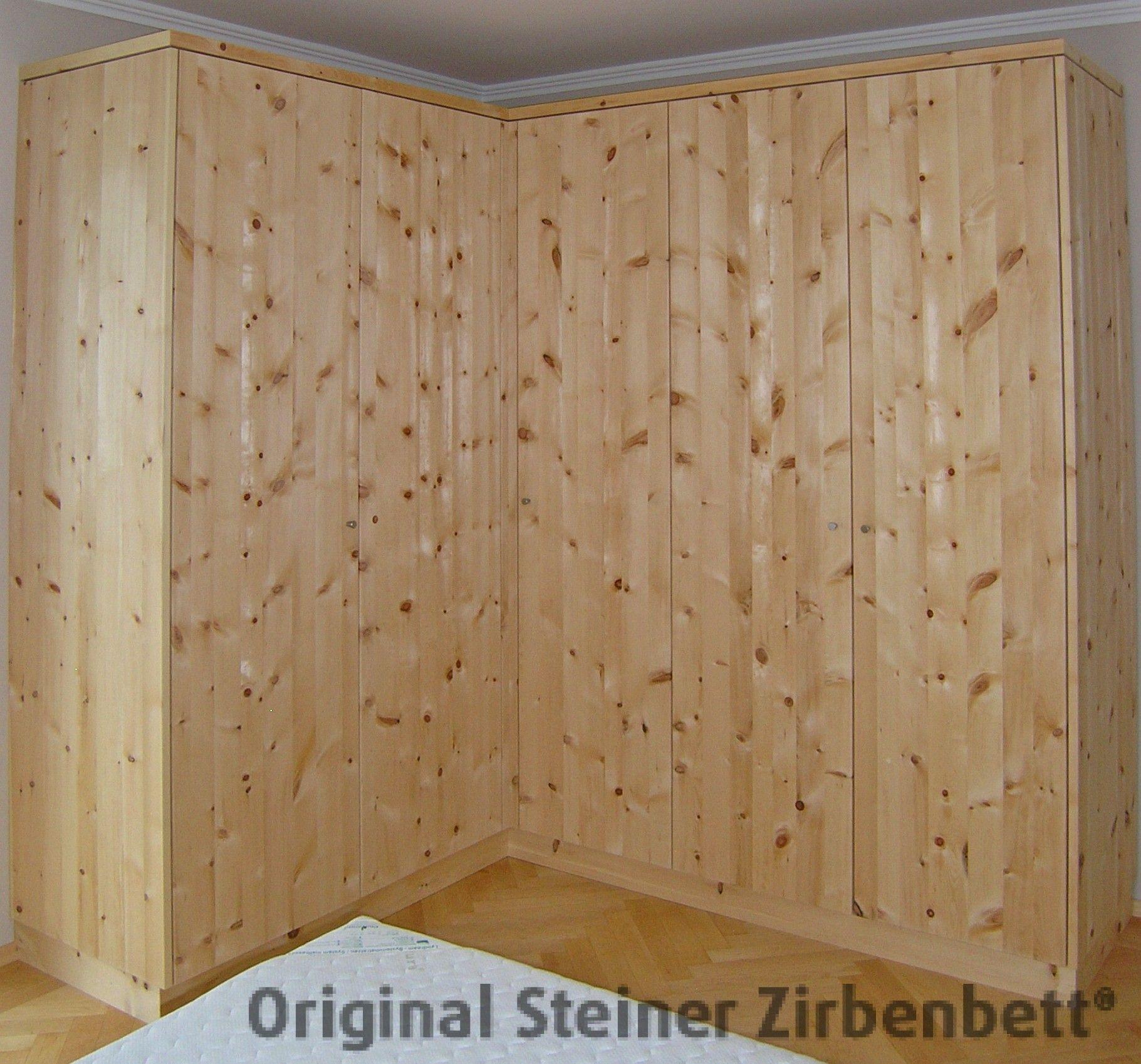 Zirbenholzschrank, Massivholz-Schrank auf Maß gefertigt, grifflose ...