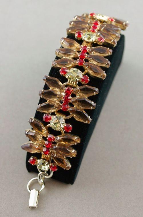 50s 60s vintage D&E Juliana link bracelet topaz rhinestone coffin stones from Viva Vintage Clothing