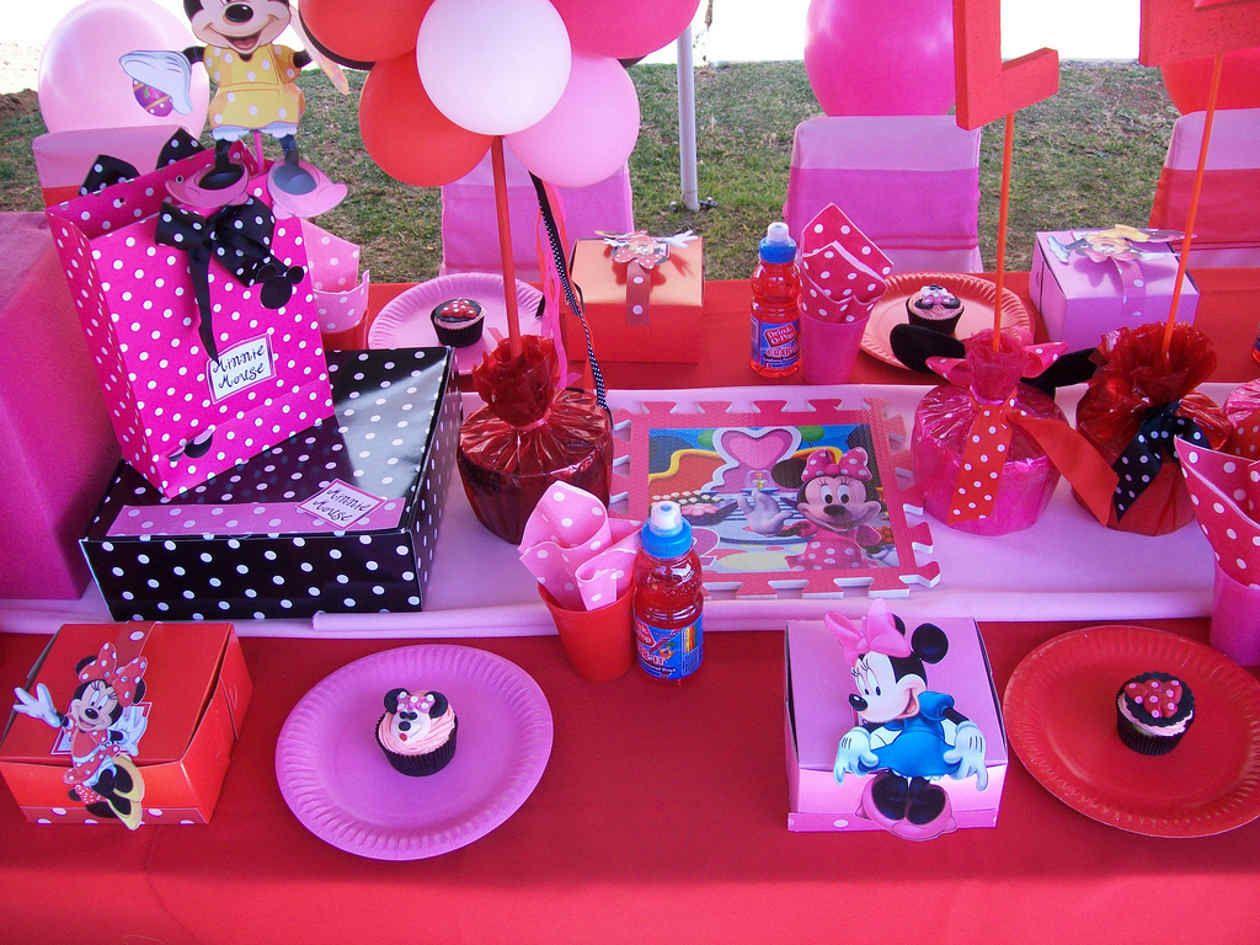 Decoracion para fiestas infantiles de minnie buscar con - Ideas para fiestas infantiles en casa ...