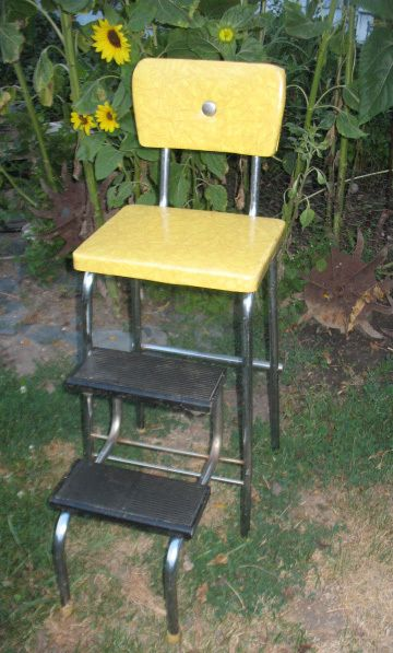 Vintage 1930s 40 S Kitchen Step Stool Chair Vinyl Yellow Marble W Chrome Button Ebay We Used To Have One Ma Kitchen Step Stool Step Stool Step Stool Chair
