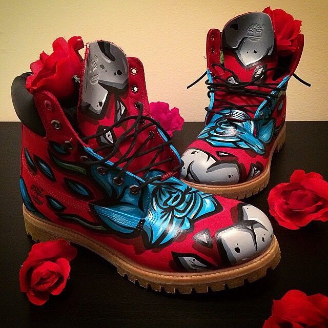 Custom Timbs by the talented @aboveavrge.