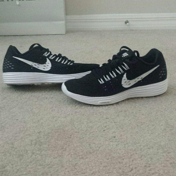 NEW Nike Lunarlon women's sneakers