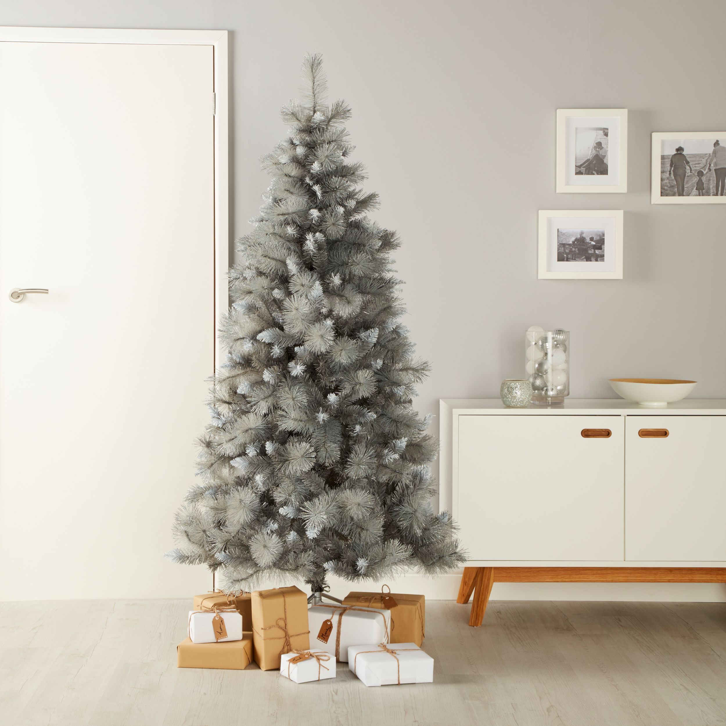6ft Tula Snow Effect Artificial Christmas Treesilver Effect Snow Effect Artificial Christmas Tree Christmas Tree