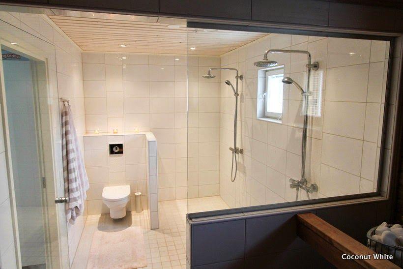 Coconut White: White bathroom