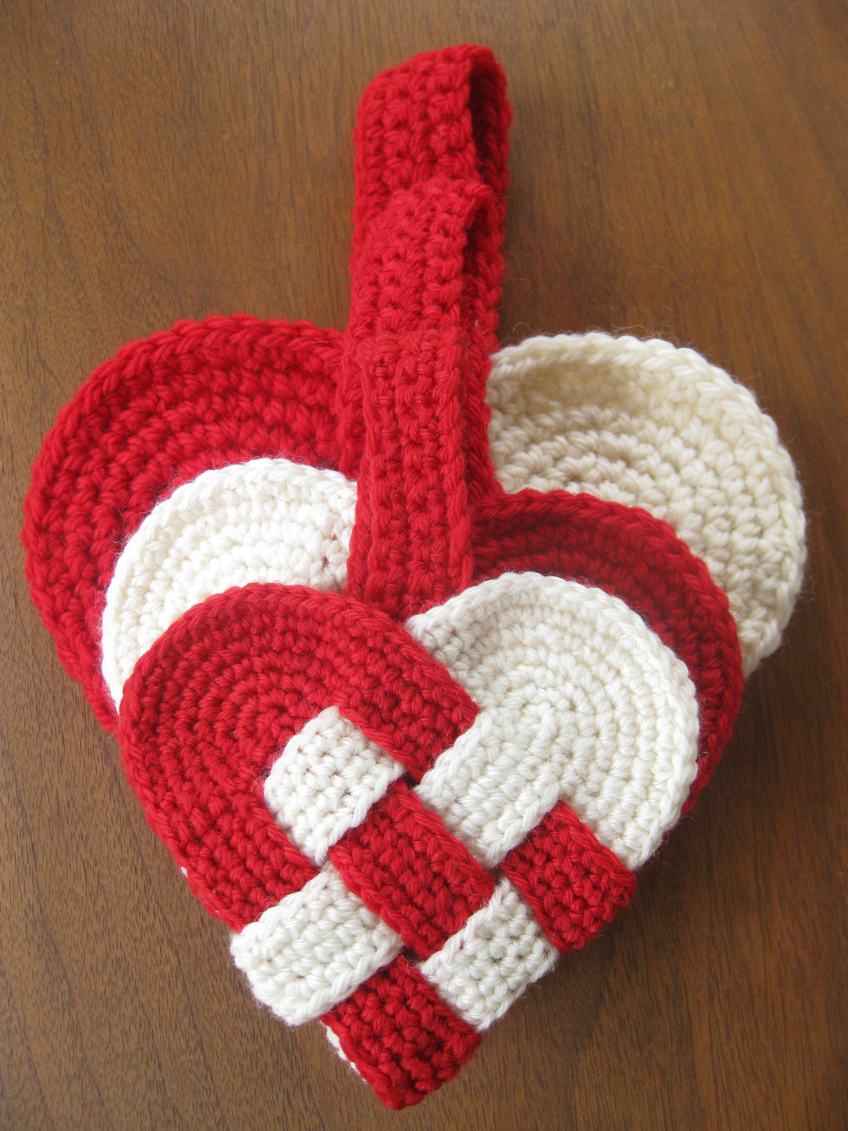 Crochet danish hearts i remember making these wconstruction free danish heart crochet pattern great for christmas ornaments or valentines day bankloansurffo Images