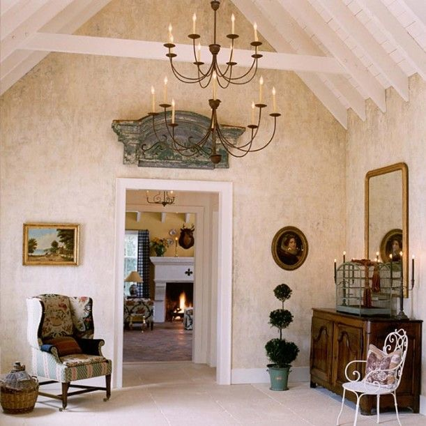 Designer Suzy Stout S French Country Farmhouse In Illinois Hooked On Houses