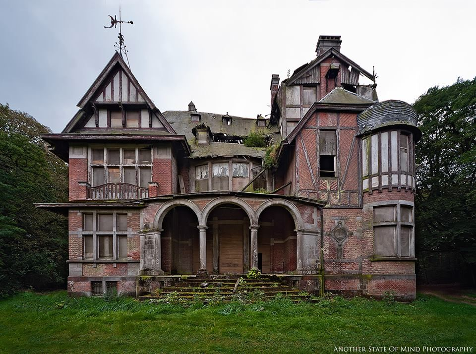 Abandoned Mansion And We Lived Like Poetry Pinterest