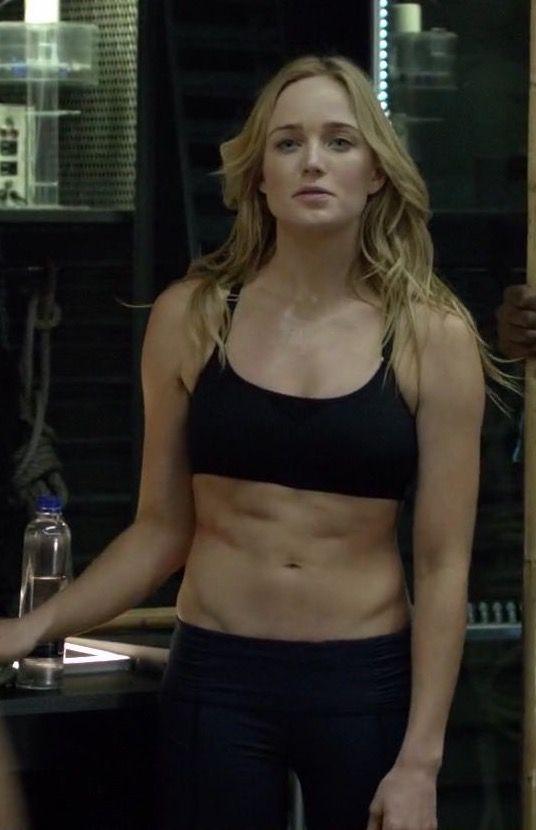 Sara lance actress