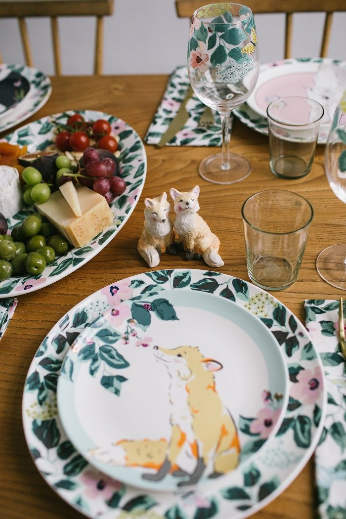 A fox placement plate that animal lovers will adore. Serve tea and cake snacks & A fox placement plate that animal lovers will adore. Serve tea and ...