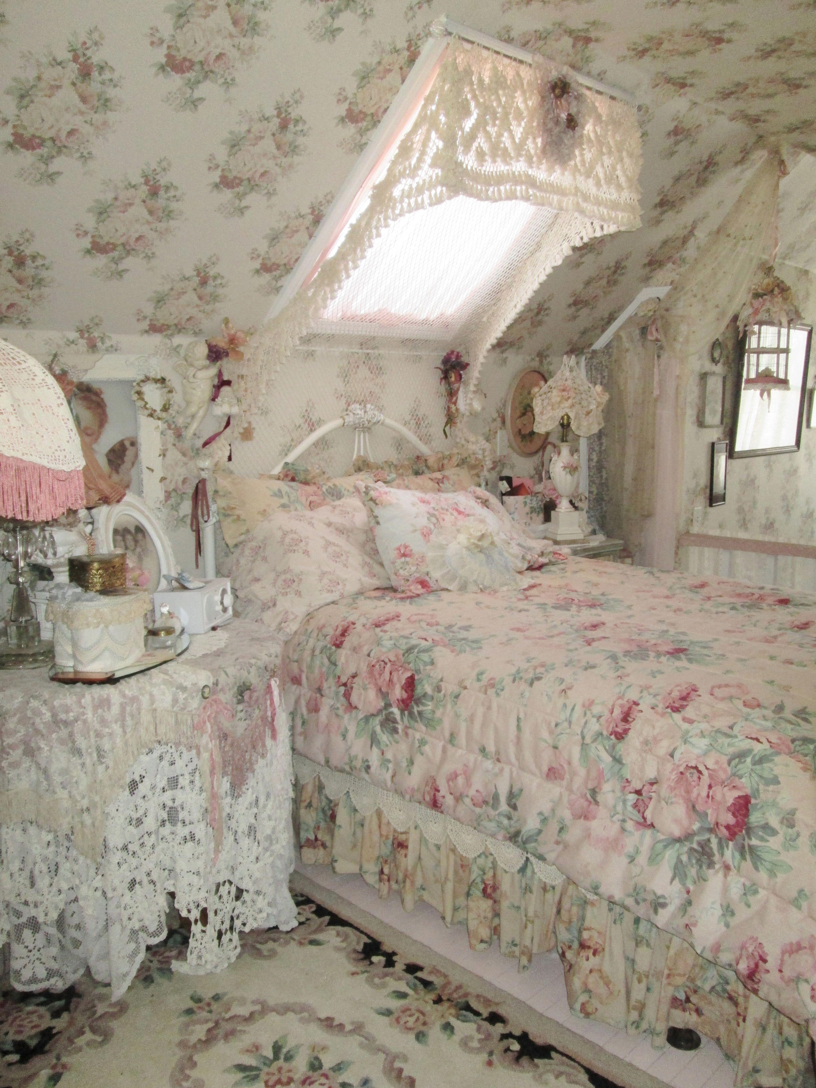 shabby pink rose bedroom | Beautiful Shabby Chic Bedroom ...