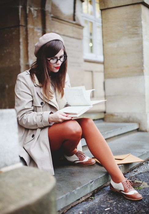 Love this girl's pairing of bronze tights and two-tone Oxfords