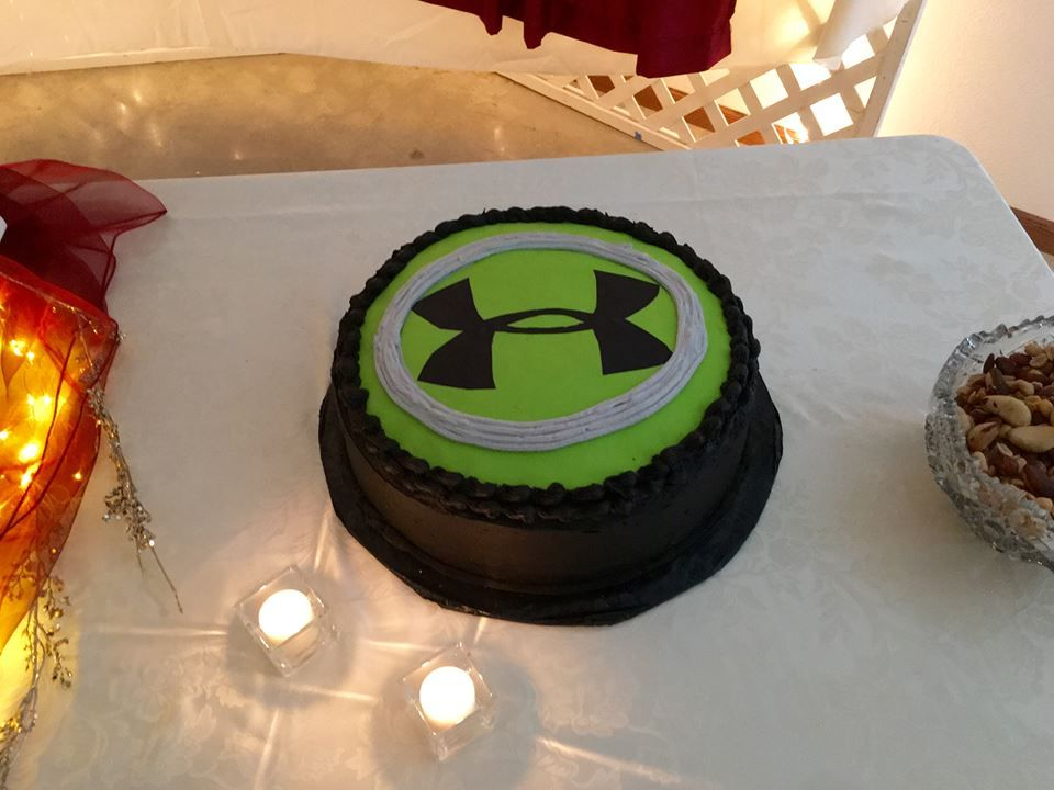 Neon Green Under Armour grooms cake; using fondant and coloring ...