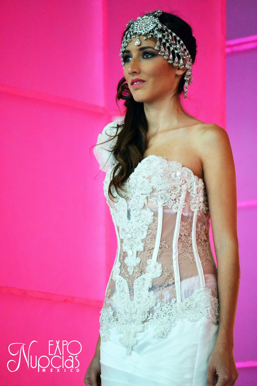 Pin de ExpoNupcias en Vestidos de Novia Jose Luis Ortega | Pinterest ...