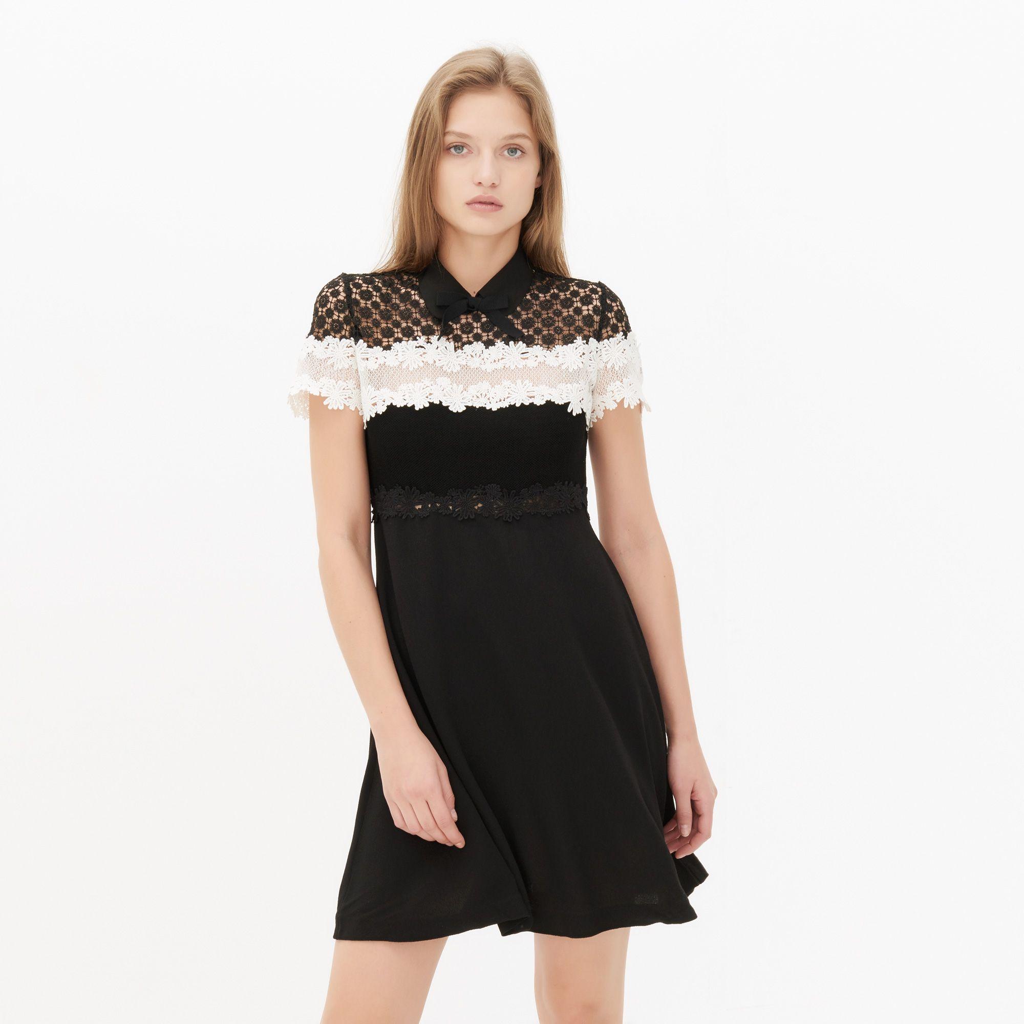 Black dress with white peter pan collar - Short Sleeved Sandro Dress With A Peter Pan Collar And A Ribbon To Tie