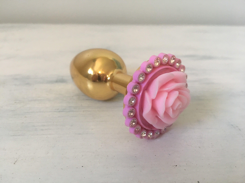 Pink Rosette And Diamond Brass Butt Plug Visit -6701