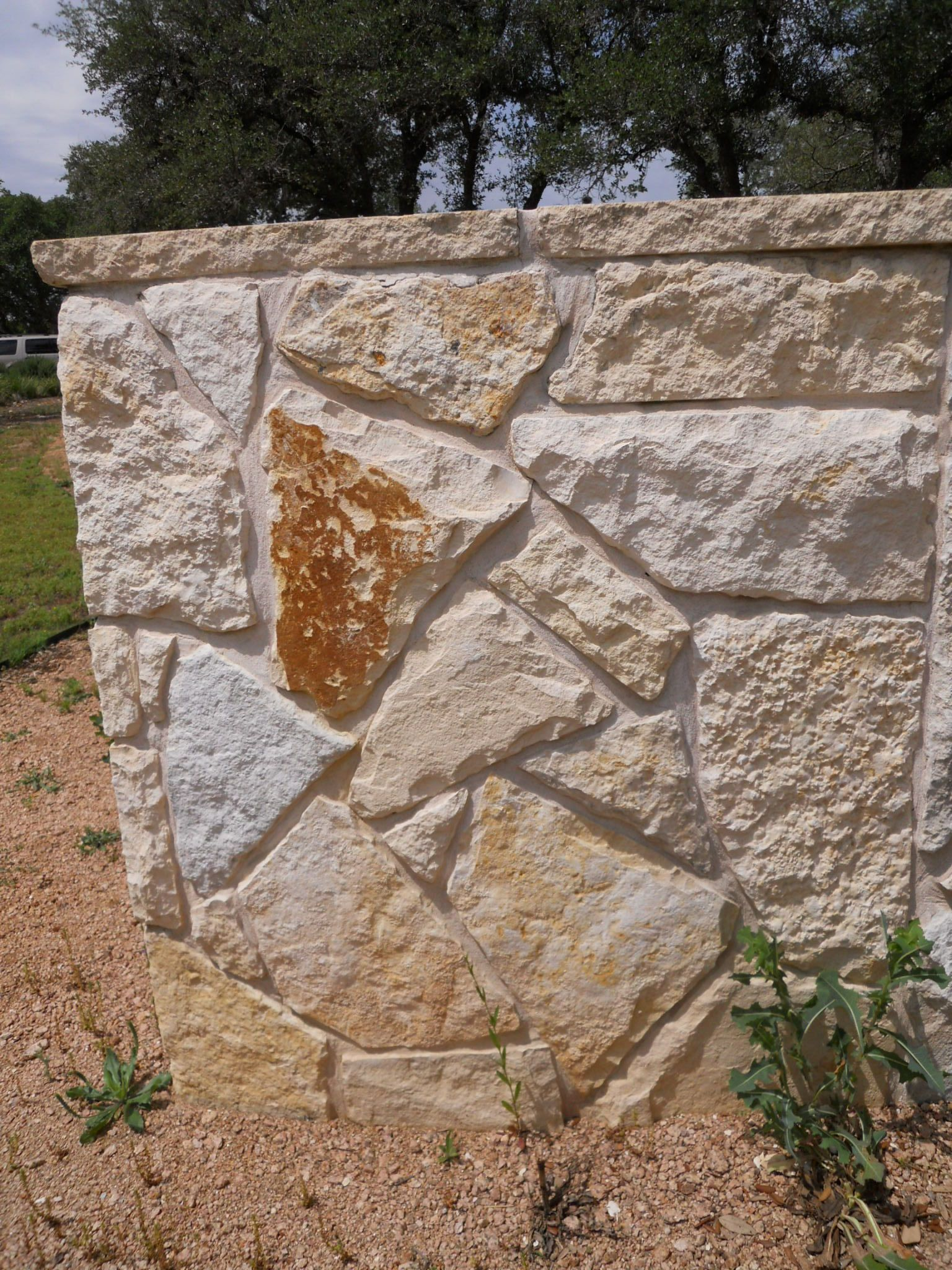 Flagstone Patios New Braunfels | Texas Hill Country Backyards ...