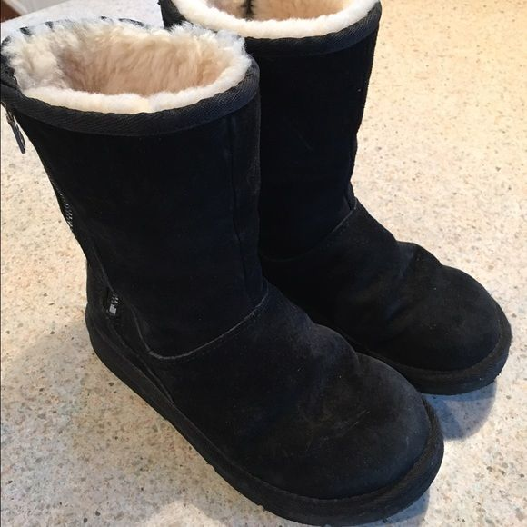 Black UGG boots These are the black