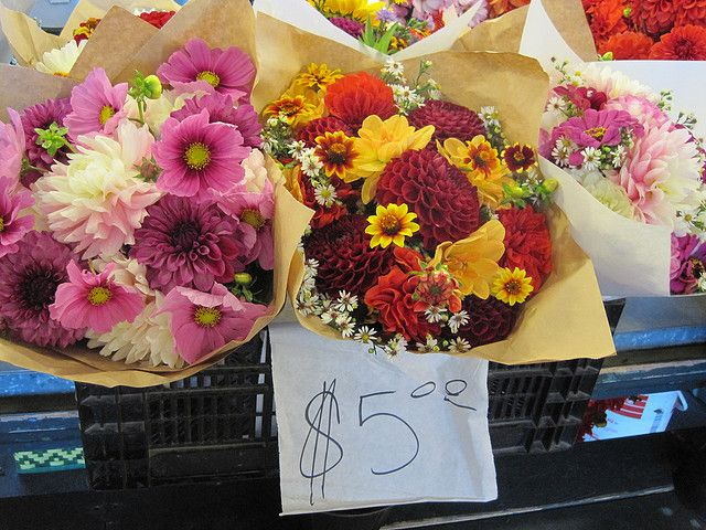 Pike Place Flower Market Some Large Bouquets Are Just 5