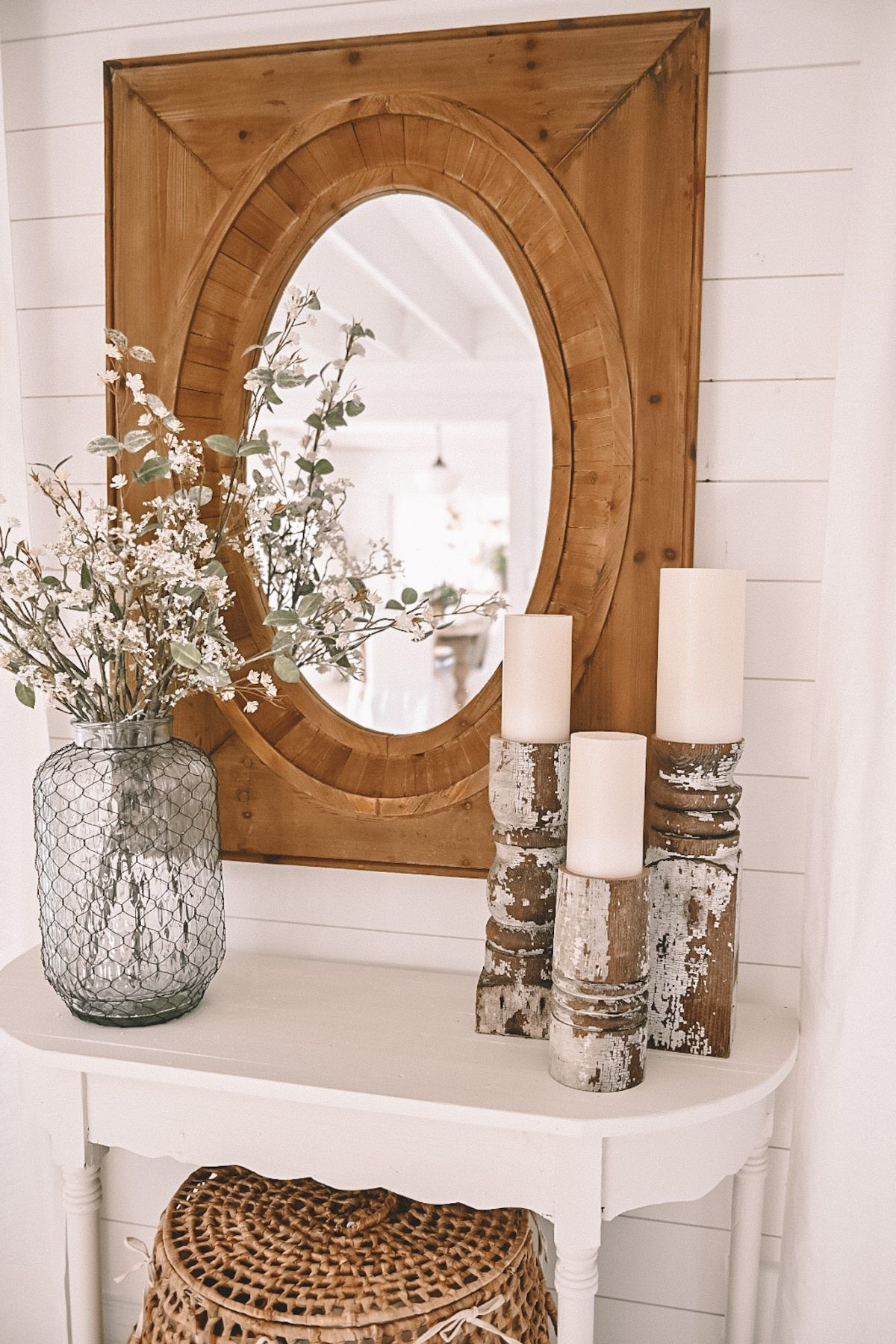 Simple Spring Entryway Table - Liz Marie Blog