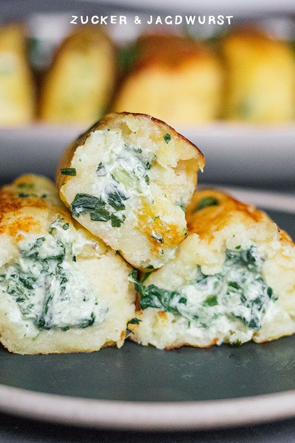 Vegan Potato Cakes with Spinach and Cream Cheese Filling #creamcheeserecipes