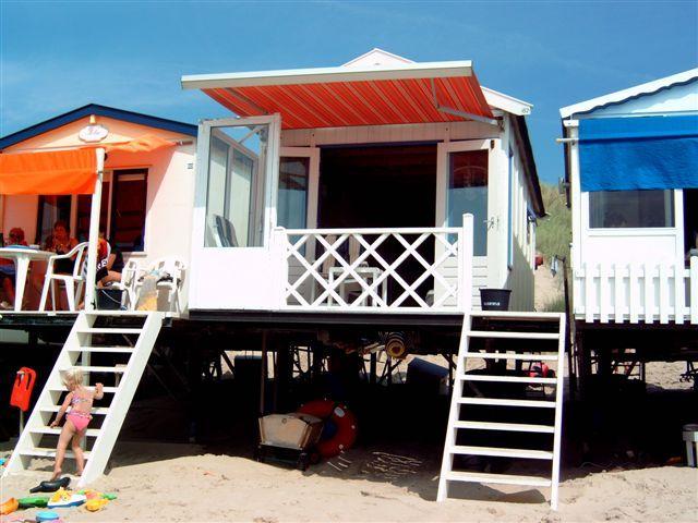 Strandhaus auf das Strand in Zeeland Niederlande Holland