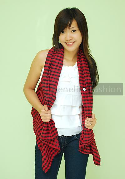 Love this cardigan -- would need to make one myself (this is from an online Malaysian boutique and I doubt it's in my size).