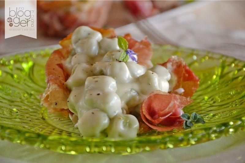 Gnocchetti al basilico con crema di parmigiano e crudo