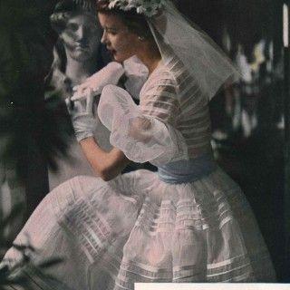Vestido de Noiva 1950 com Daisy mantilha