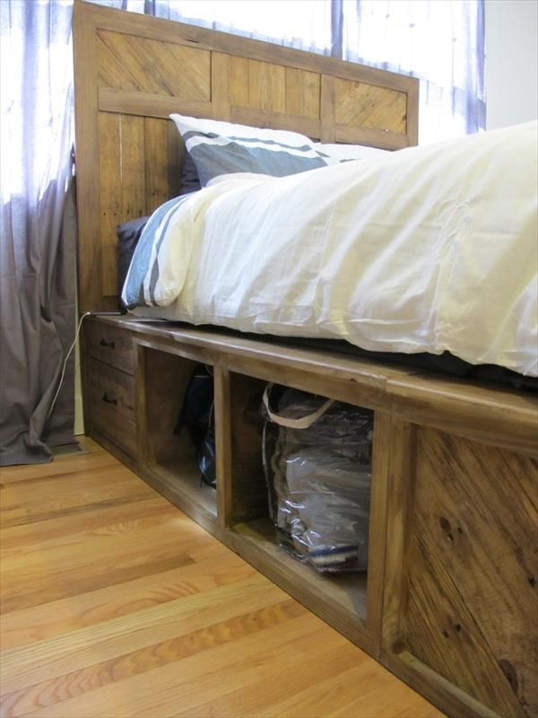 Diy pallet bed with storage and headboard 101 pallets for Diy pallet beds